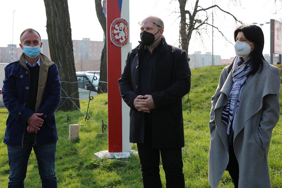 Z výsadby nové ovocné aleje v Roudnici nad Labem