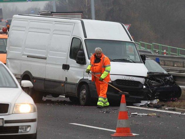 Hromadná nehoda na dálnici D8 u Řehlovic
