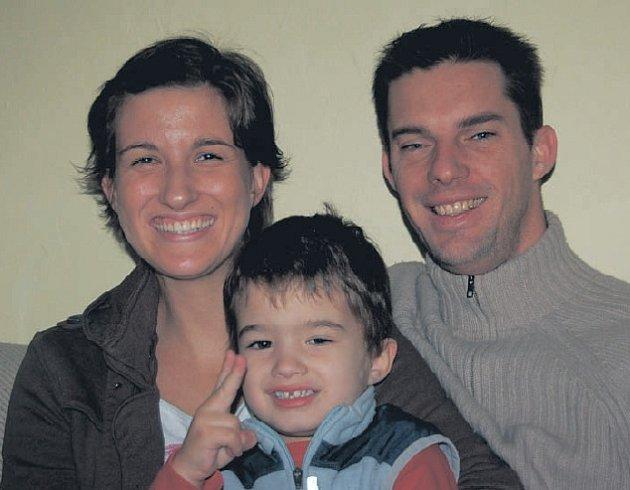 ÚSPĚŠNÁ OLYMPIONIČKA. Michaela de La Bourdonnay navštívila společně se synem a manželem naši redakci.