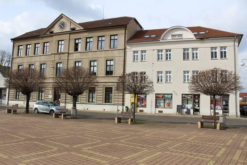 Základní škola v Bohušovicích.