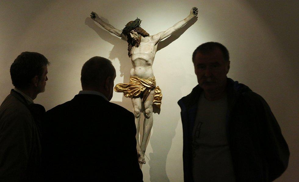 Výstava s názvem Mýtus Ulrich Creutz představuje jedinečná umělecká díla.