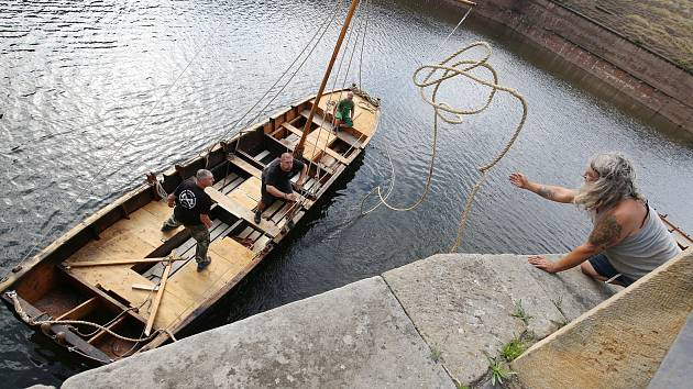 Pirátské války 2019, příprava lodí k sobotní bitvě