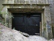 Zájemci o nelegální procházku podzemím nacistické továrny Richard mají smůlu. Terezínský památník, pod něhož vstup a několik desítek metrů v podzemí patří, po několika letech uzavřel jediný veřejně dostupný vchod.