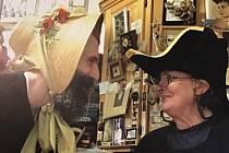 Jsem taková malá královna klobouků, říká Jana Schmidt