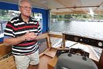 Na lodi poháněné pouze sluncem vyráží majitel Mariny na plavbu Evropou.