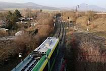 """U Čížkovic vlak projel návěstidlo """"stůj"""" a poškodil výhybku"""