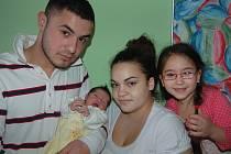 Nikole Šarajové a Martinovi Magyarovi z Litoměřic se v litoměřické porodnici 19. února v 7.30 hodin narodila dcera Vanessa Šarajová. Měřil 46 cm a vážil 2,6 kg. Na snímku i se sestrou Sárou.