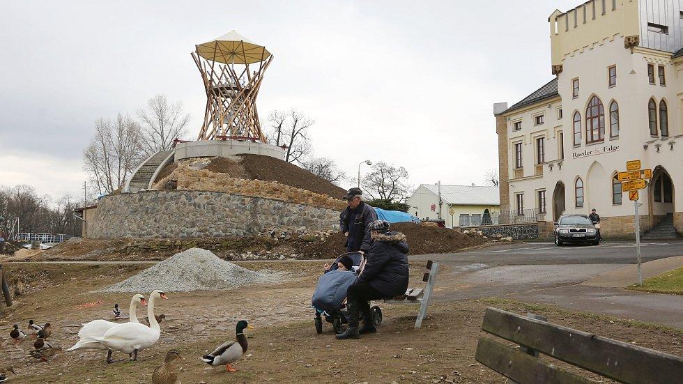 Už na jaře bude v Lovosicích na Litoměřicku zpřístupněna pro veřejnost nová rozhledna.