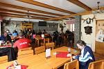CHATA MILEŠOVKA. Navzdory nepříliš příznivému počasí se restaurace v sobotu v poledne zaplnila do posledního místa.