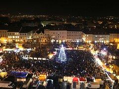 V pátek v podvečer se rozzářil vánoční strom i v Litoměřicích.