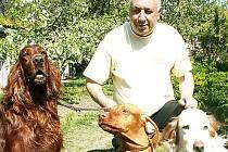 KYNOLOG A MYSLIVEC. Ředitelem výstavy Nord Bohemia Canis je od roku 1996 Josef Němec, dlouholetý kynolog a myslivec, který v těchto dnech oslavil 80. narozeniny.