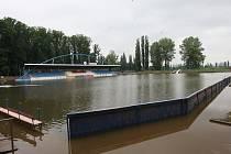 Vědomický sportovní areál Pod Lipou při povodni