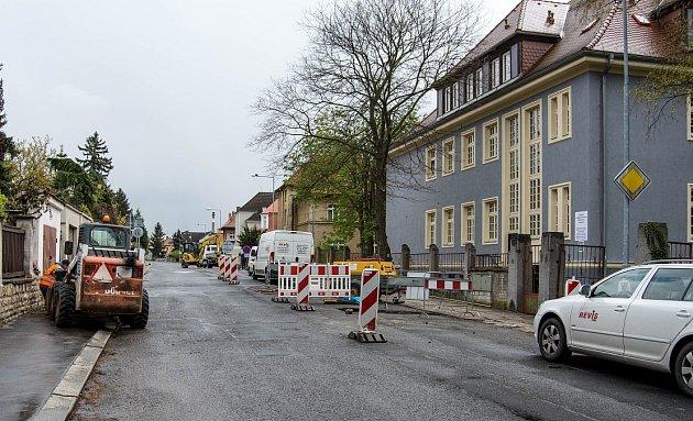 Opravy na silnici vulici Dalimilova