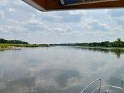 Kapitán a duchovní otec solární lodi Sunriver Miroslav Cink se vydal na další ze svých plaveb po evropských řekách, tentokrát Odře