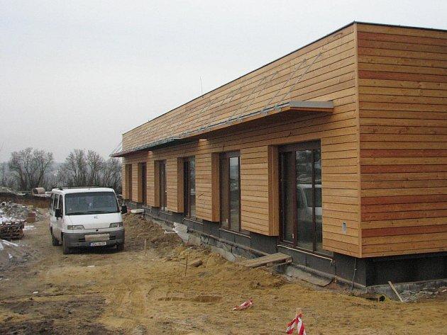 Stavba mateřské školy pro 72 dětí finišuje