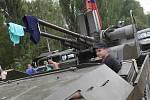 Lidé se kochali vojenskou technikou na jezeře Úštěk.