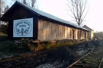 Spolek Zubrnická museální železnice pokročil spracemi na obnově bývalého nádraží vÚštěku