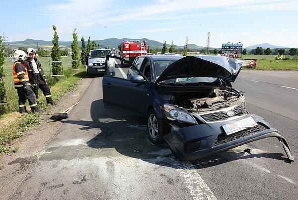 Dopravní nehoda na silnici zLitoměřic do Terezína