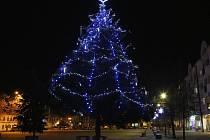 Vánoční strom ve Štětí v roce 2015.