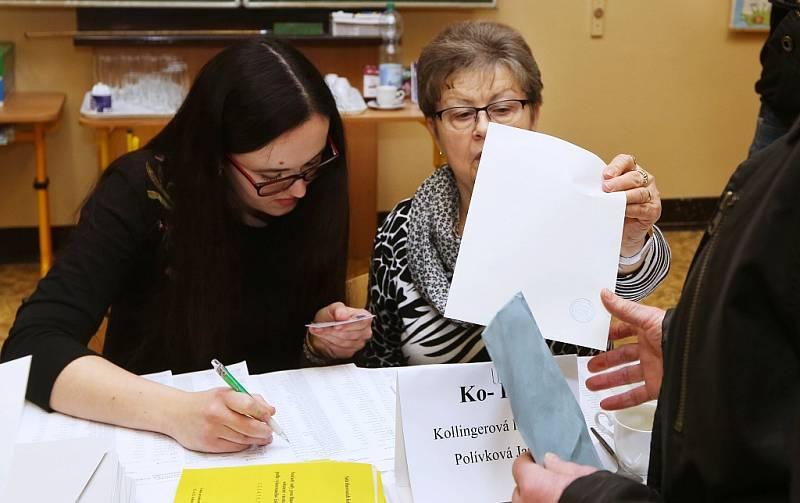 Prezidentské volby pokračují v sobotu 13. ledna. V Roudnici nad Labem je provází hojná účast voličů
