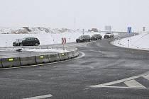 ZMĚNA. U Lovosic už lze najíždět a sjíždět z dálnice D8 na dvou místech. Lovosický nájezd byl uzavřený více než rok.