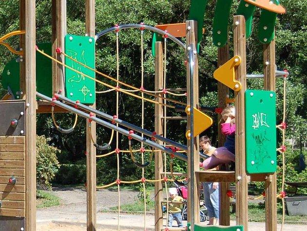 Dětské hřiště v Jiráskových sadech