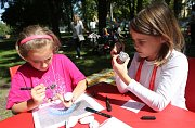 Nábor do mimoškolních kroužků pro děti v Jiráskových sadech.