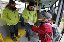 Zástupci Ústeckého kraje lidem v Litoměřicích vysvětlovali, jak bude fungovat linková autobusová doprava od Nového roku po celém kraji, tedy i na Litoměřicku a Podřipsku.