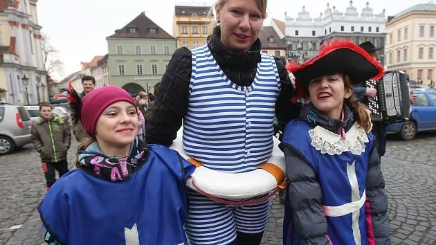 Tradiční masopust na Mírovém náměstí v Litoměřicích.