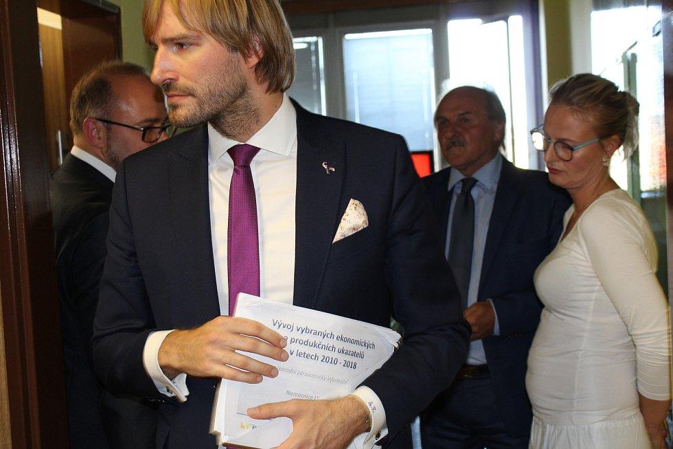 Ministr Adam Vojtěch navštívil nemocnici v Litoměřicích