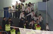 Hokejové utkání mezi Litoměřicemi a Prostějovem. Ke konci druhé třetiny fanoušci hostů ztropili výtržnost a uklidňovat je musela ochranka a policie. Již odpoledne na Mírovém náměstí pokřikovali a zapalovali u Morového sloupu světlice.