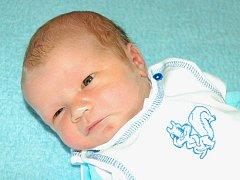 Kristýně Vackové a Jiřímu Petkovovi ze Snědovic se 20.2. ve 23.09 narodil v Litoměřicích syn Jiří Petkov. Měřil 52 a vážil 3,64 kg.