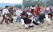 Na 130 šermířů z 15 skupin v sobotu dobývalo jezero Chmelař