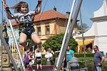 Tradiční a vyhlášenou pouť v Brozanech navštívili stovky lidí nejenom z vesnice, ale i z okolí.