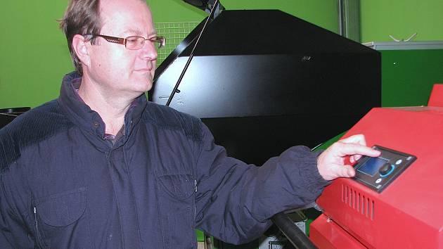 Revize technického stavu kotlů do výkonu 300 kW budou mít ulehčeny podle majitele firmy Ekoefekt Pavla Vrby majitelé nových kotlů a ti, kteří uspějí se žádostmi o kotlíkové dotace.