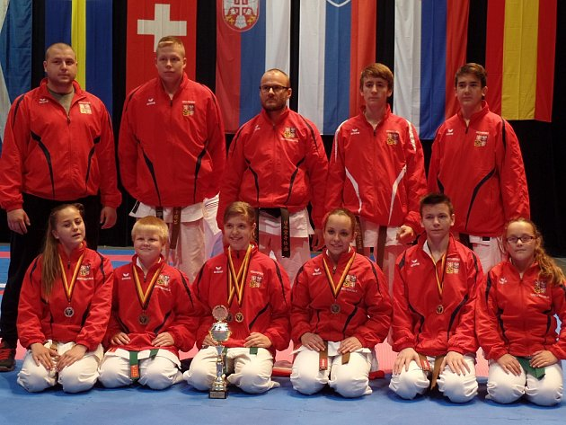 VÝPRAVA Karatedó Steklý na evropském šampionátu v Německu nezklamala.