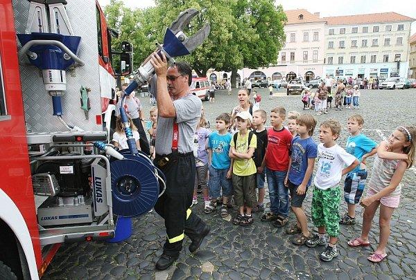 Den Policie ČR a integrovaného záchranného systému vLitoměřicích 2012.