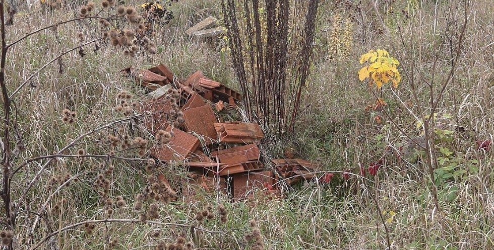 V záplavovém území u Mlékojed se nachází 21 000 tun odpadu