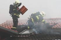 Požár autodílny v Žernosekách