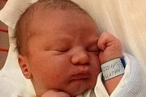 Denise a Milošovi Malým z Lovosic se v ústecké porodnici 30. prosince v 6.05 hodin narodil syn Miloš Malý. Měřil 51 cm a vážil 4,10 kg. Blahopřejeme!