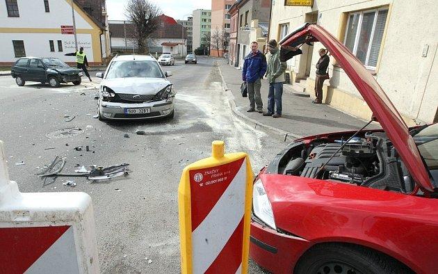 Dopravní nehoda v Pokraticích - pondělí 9. března kolem 9 hodiny.