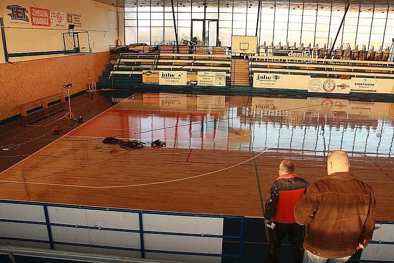 Roudnický sportovní areál Pod Lipou v neděli odpoledne