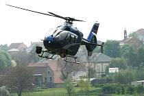 Policejní vrtulník - ilustrační foto