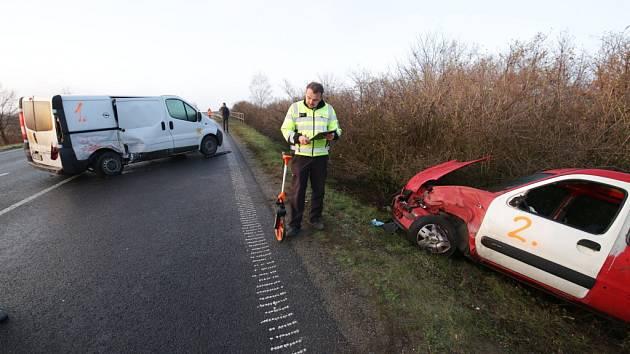Hromadná nehoda nad přemostěním D8 u Roudnice nad Labem.