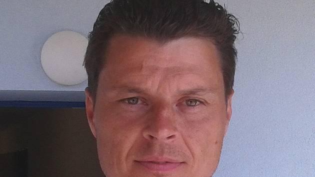 Štefan Knapík