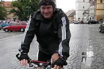 Hejtman Jiří Šulc při průjezdu Litoměřicemi.