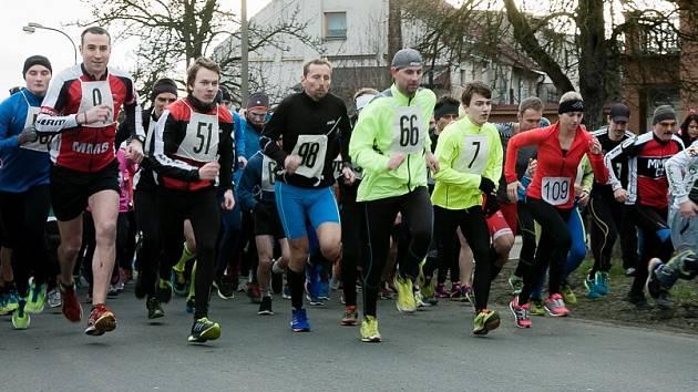 NA START závodu se letos postavil rekordní počet atletů. Trať si chtělo vyzkoušet 128 příznivců aktivního pohybu.
