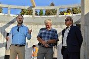 Manažer geotermálního projektu Antonín Tym, vedoucí odboru životního prostředí města Litoměřice Pavel Gryndler, starosta města Litoměřice Ladislav Chlupáč (zleva)
