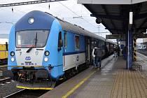 Ilustrační snímek. Vlak na nádraží.