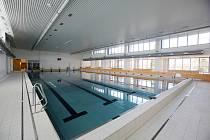 Plavecká hala v Roudnici nad Labem. Archivní foto